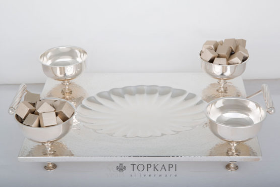 Topkapi-Rectangular tray 'shell' design with 4 sweets bowls